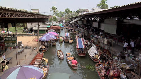 The Floating Market In Damnoen Saduak stock footage