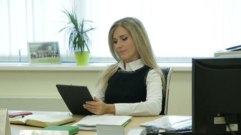 Businesswoman Is Talking To Her Mobile Assistant In Office On Table stock footage