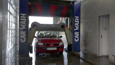Carwash module raises above the car Footage